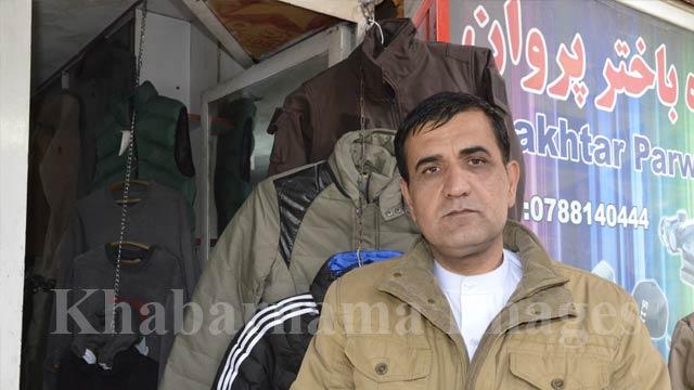 حاجی عمر، یکی از فروشندگان این مارکیت