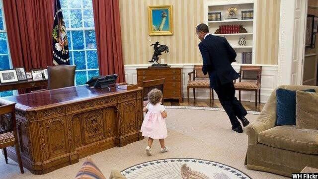 Obama-with-kids25