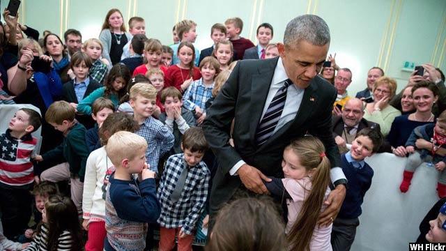 Obama-with-kids33