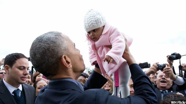 Obama-with-kids35