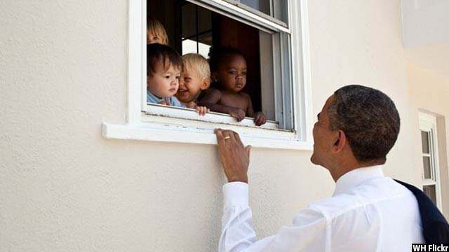 Obama-with-kids36