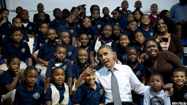 Obama-with-kids41