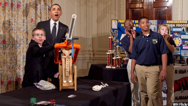Obama-with-kids43