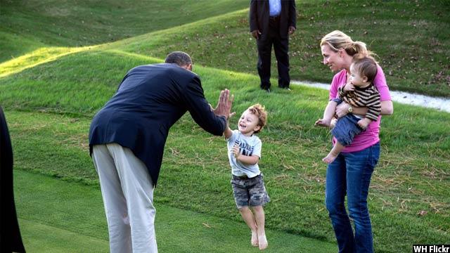 Obama-with-kids55