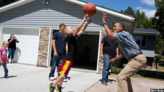 Obama-with-kids56