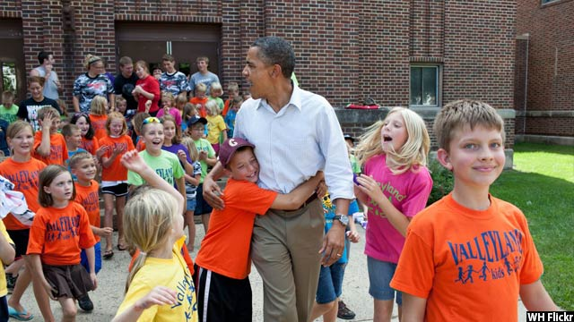 Obama-with-kids58