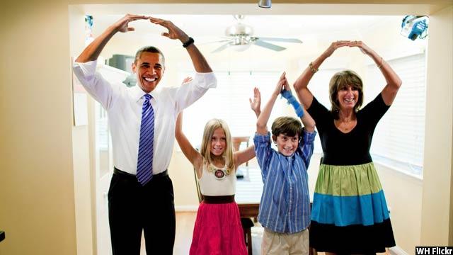 Obama-with-kids66