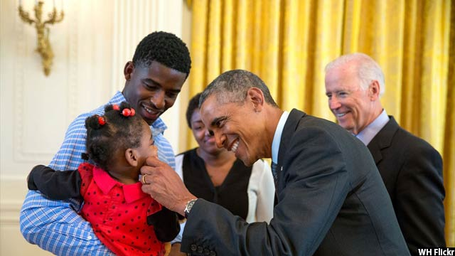 Obama-with-kids74