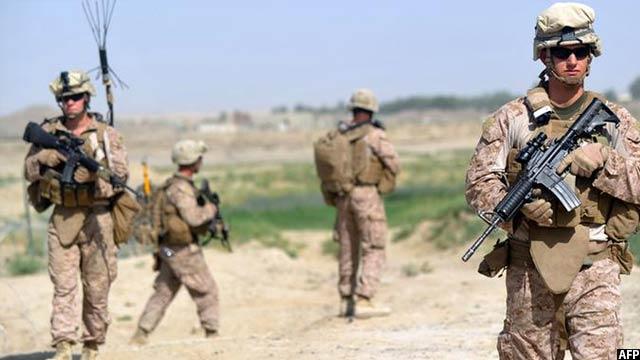 سخنگوی والی هلمند میگوید که برعلاوه کمک های هوایی توسط نیروهای خارجی، آنان باید در نبرد مستقیم همراه با سربازان افغان در برابر تروریستان باید سهم بگیرند