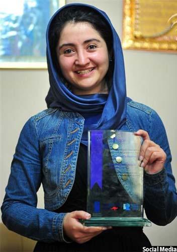 فرخنده زهرا نادری جایزه صلح سال 2012 را از شش کشور جنوب آسیا بدست آورده است