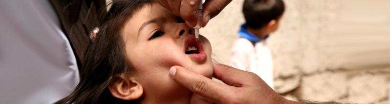 واکسین پولیو؛پوشش ۹٫۵ میلیون کودک و دغدغه فلج اطفال خط آتش در افغانستان