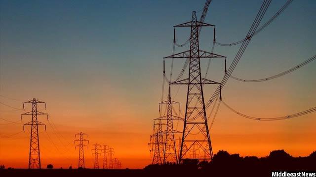 70 درصد برق افغانستان وارداتی میباشد که از کشورهای تاجیکستان و ازبکستان به این کشور میآید