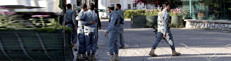 عامل نفوذی؛ حملهای که جان بیش از ۱۰ پولیس افغان را گرفت