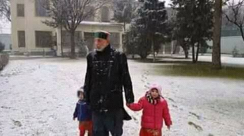 Snowfall in Afghanistan welcomed by people (4)