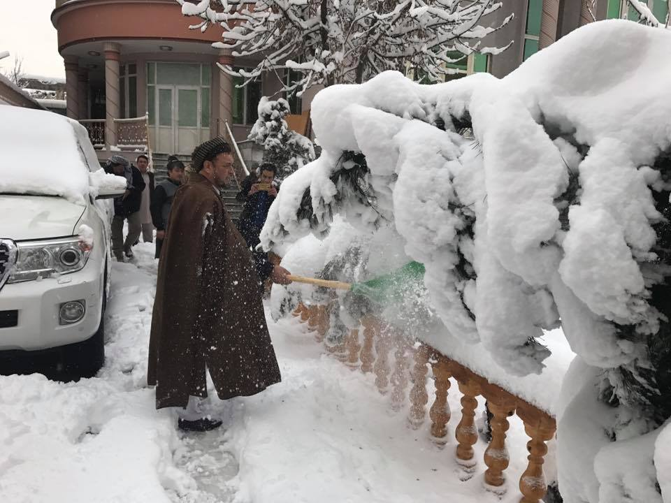 Snowfall in Afghanistan welcomed by people (6)
