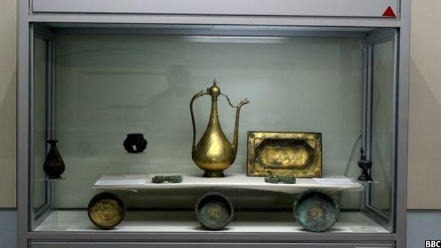 این آثار به اثر حفریاتی که در حاشیه مس عینک لوگر افغانستان صورت گرفته به دست آمده است.