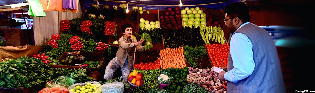 نگرانیها از احتمال قحطی میوه و سبزی در بازارهای افغانستان