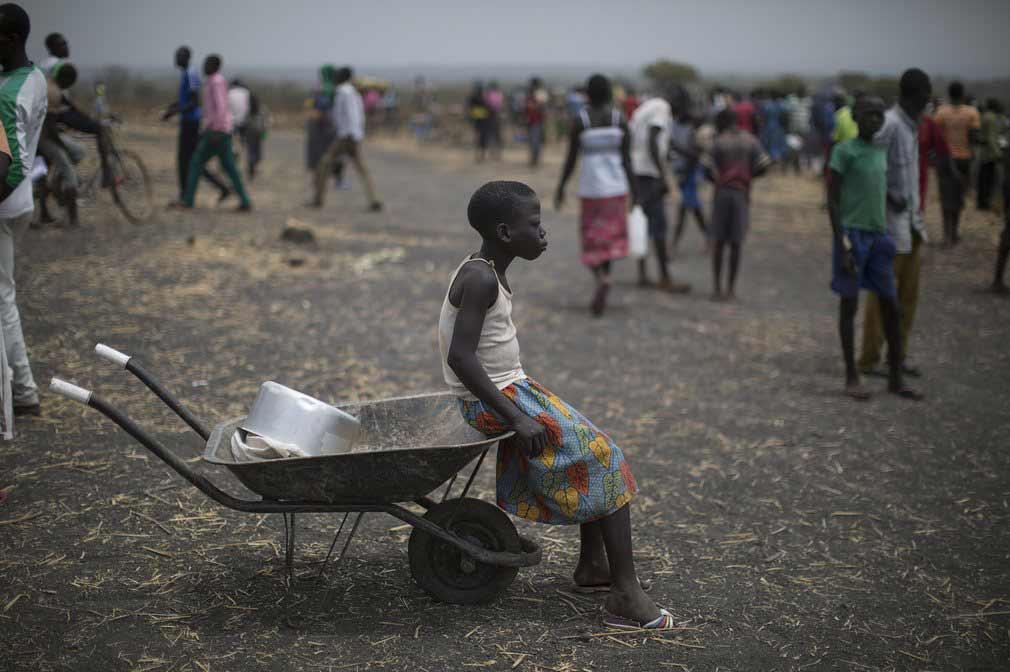 جمعی از مهاجرین در یکی از روستاها در اوگاندا. تصویر از Getty