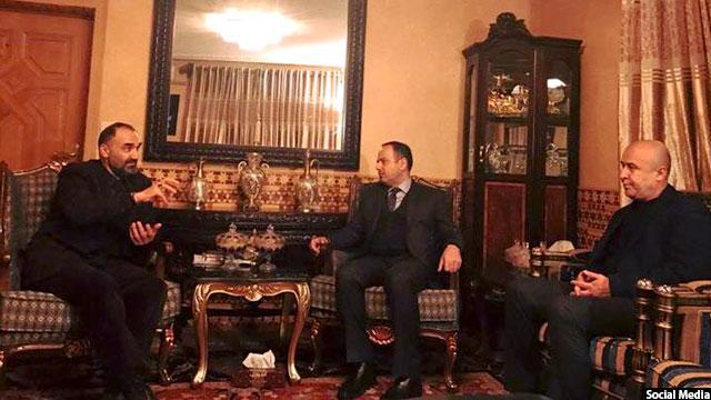 رییس جمهور غنی در جلسهای با دستیاران خود بهمنظور اعتمادسازی با عطامحمد نور، اکلیل حکیمی را موظف میسازد تا با او وارد گفتوگو شود