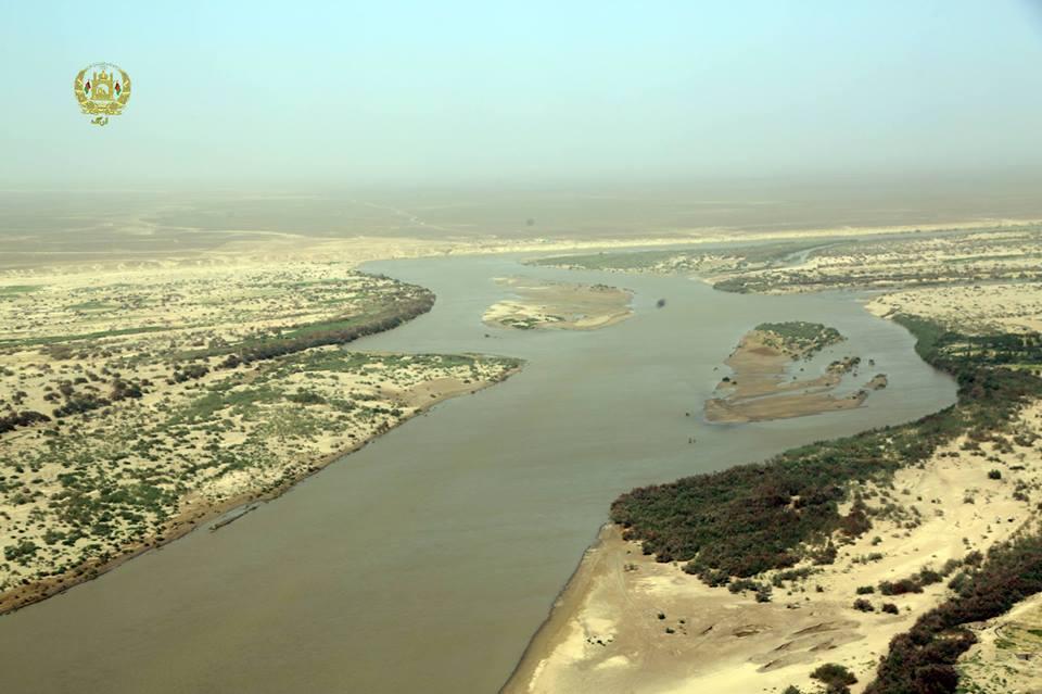 براساس گفتههای مقامهای وزارت انرژی و آب افغانستان، ایران در هرثانیه ۲۶ متر مکعب آب از دریای هلمند میگیرد
