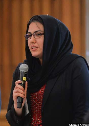 غزال با شمار دیگر از جوانان افغان بنیاد انتخابات آزاد و عادلانه ی افغانستان (FIFA) را در سال 2004 میلادی ایجاد نمودند