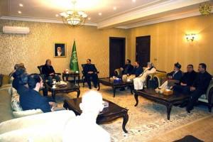 جمعیت اسلامی افغانستان و یکی از حامیان اصلی عبدالله عبدالله اکنون مدعی است که نظام ریاستی کنونی نمیتواند در افغانستان کارآمدی داشته باشد