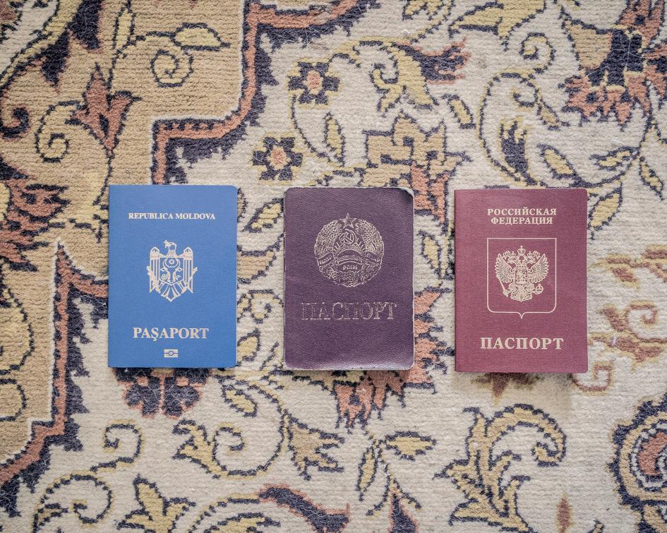 این کشور اما پاسپورت قابل اعتبار و مشخصی ندراد بناً ساکنان آن دارای پاسپورت روسی، اوکراینی و ملدووایی است ?
