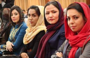 روز جهانی رسانهها؛ از کاهش رسانهگران زن تا دلخوشیهای خبرنگاران افغان