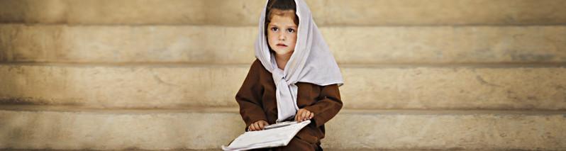 هزار مکتب بسته؛ سرنوشت نامعلوم دختران دانشآموز مناطق جنگی و خبر خوش زنان ولایات هرات و دایکندی