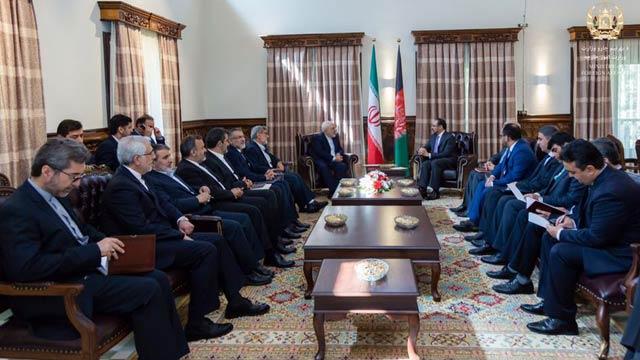 وزیر خارجه ایران در راس یک هیات بلندپایه وارد کابل شده است