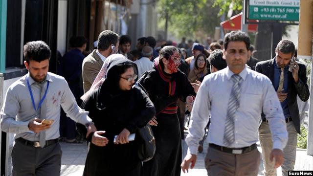 به گفته رییس جمهور غنی 75 هزار افغان بین سالهای 2015 و 2016 در افغانستان کشته و زخمی شده اند