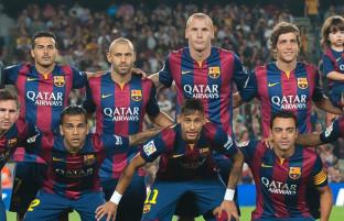 ستارههای بارسلونا در جاپان؛ تغییر برند تبلیغاتی روی لباس این تیم