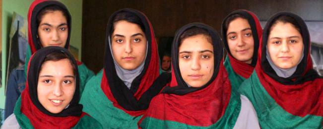 مداخله ترامپ؛ اعطای مجوز ویژه ورود به آمریکا به دختران روبات ساز افغان