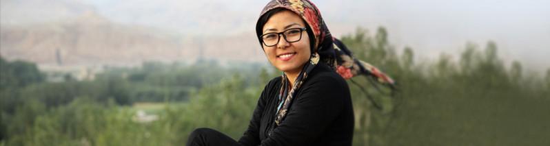 دختر خلاق در فیسبوک؛ ایجاد کتابخانه، فروش تابلو و فراخوانی برای اهدای کتاب در کابل