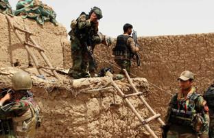 جنگ در هلمند؛ حملات انتحاری طالبان به پاسگاههای امنیتی در شهرستان گرشک