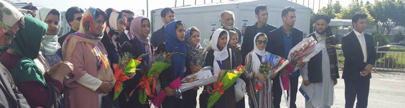 استقبال گسترده؛ بازگشت دختران روبات ساز افغان به کابل