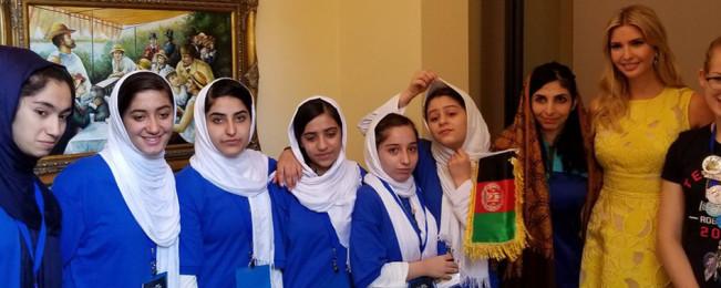 از هرات تا واشنگتن؛ ۱۲ حاشیهی خواندنی از خبرسازی دختران روباتساز افغان