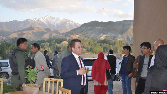 Bamyan-women-cafe2