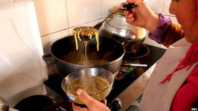 Bamyan-women-cafe7