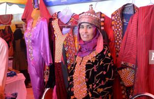 بازرگانان روستا؛ روایتی از هنرآفرینی زنان روستایی در پایتخت افغانستان