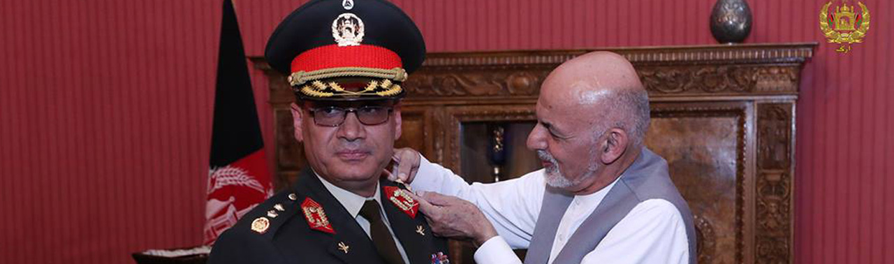 شایستگی وزیر جنگ در سوق و اداره؛ پاداش رییس جمهور و انتقاد شهروندان