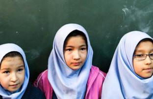 از مهر جا نمانند؛ فراخوان تویتری در ایران برای رفع مشکلات دانشآموزان مهاجر افغان