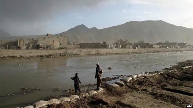 به گفته مقامهای وزارت انرژی و آب افغانستان، آبهای زیر زمینی کابل به گونه چشمگیری از سال 2001 به اینسو نشسته است