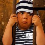 وزارت عدلیه افغانستان؛ نگهداری بیش از 200 کودک در مراکز اصلاح به جرم شراکت در جرایم امنیتی