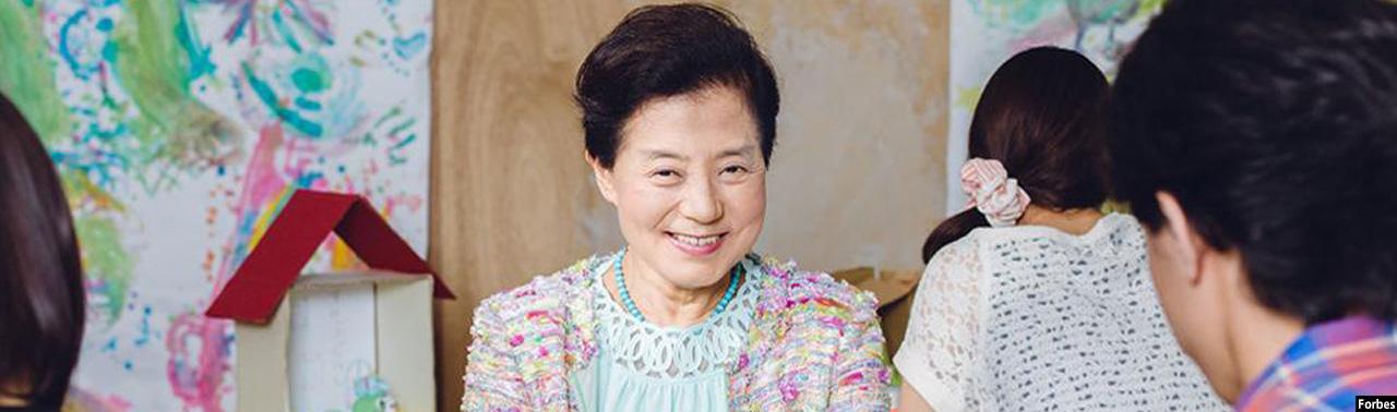 یوشیکو شینوهرا؛ از تاسیس سازمان غیرقانونی تا تبدیل شدن به اولین میلیاردر زن در جاپان