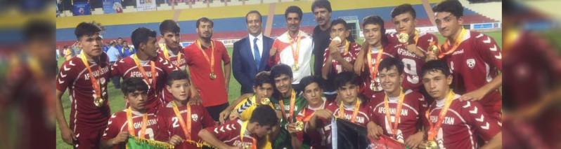 افتخاری دیگر؛ تیم فوتبال ۱۴ سال افغانستان، قهرمان جام سوپروتوی هند شد