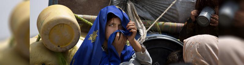 جنگ، سرما و بیخانمانی؛ ۳۳۸ هزار تن در سال جاری در افغانستان آواره شدهاند