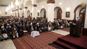 محمد کریم خلیلی، رییس شورای عالی صلح افغانستان در افتتاح این نشست مشورتی