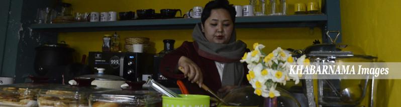 محلی برای خودکفایی دو نسل؛ مینا رضایی و ابتکار متفاوت در رستورانت داری در پایتخت افغانستان