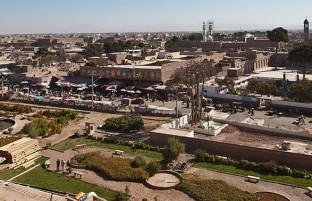 مسیر انتخابات در هرات؛ رقابت کاندیدان با تهدید طالبان، تخلفات انتخاباتی و ۱۶۲ مرکز رأیدهی مسدود